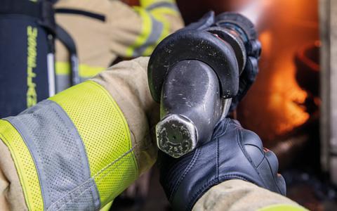 De brandweer zoekt vrijwilligers.