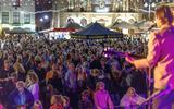 De Nacht van Steenwijk werd de voorgaande keren gevierd met muziek op een groot podium. Dit jaar spelen de muzikanten verspreid over de binnenstad.