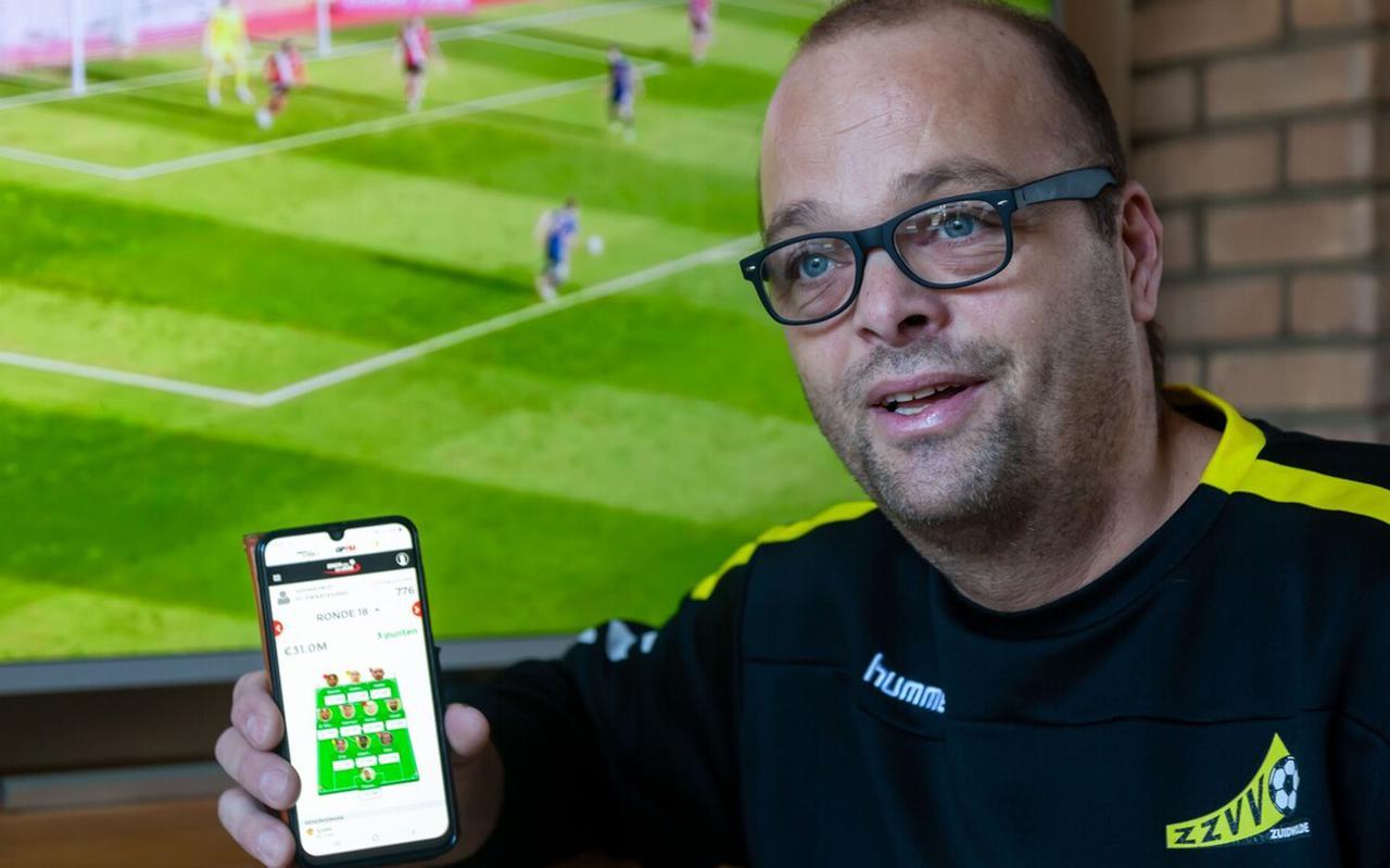 John van Raalte: 'Ik volg het eredivisievoetbal vooral via de app. Bij een doelpunt krijg ik een melding.'