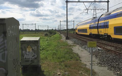 Samenkomst Vechtdallijn (Arriva) en Spoorlijn Zwolle-Meppel (NS) bij Herfte nabij Zwolle.