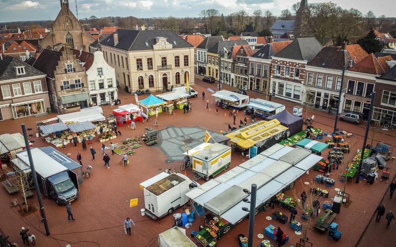 De zaterdagmarkt in Steenwijk.