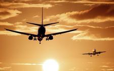 Volgens de Commissie en het RIVM is onterecht aangenomen dat de uitlaatgassen van vliegtuigen door verbrandingswarmte opstijgen.