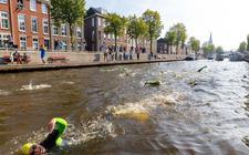 De zwemmers van Steenwijk'34 zijn begonnen aan de Overijsselse Merentocht.