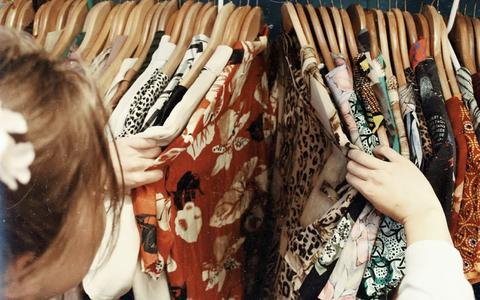 Obs de Voorpoort doet mee aan de kledinginzamelingsactie van Bag2School.