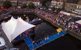 Muziekfestival Blokzijl rondom de Kolk.
