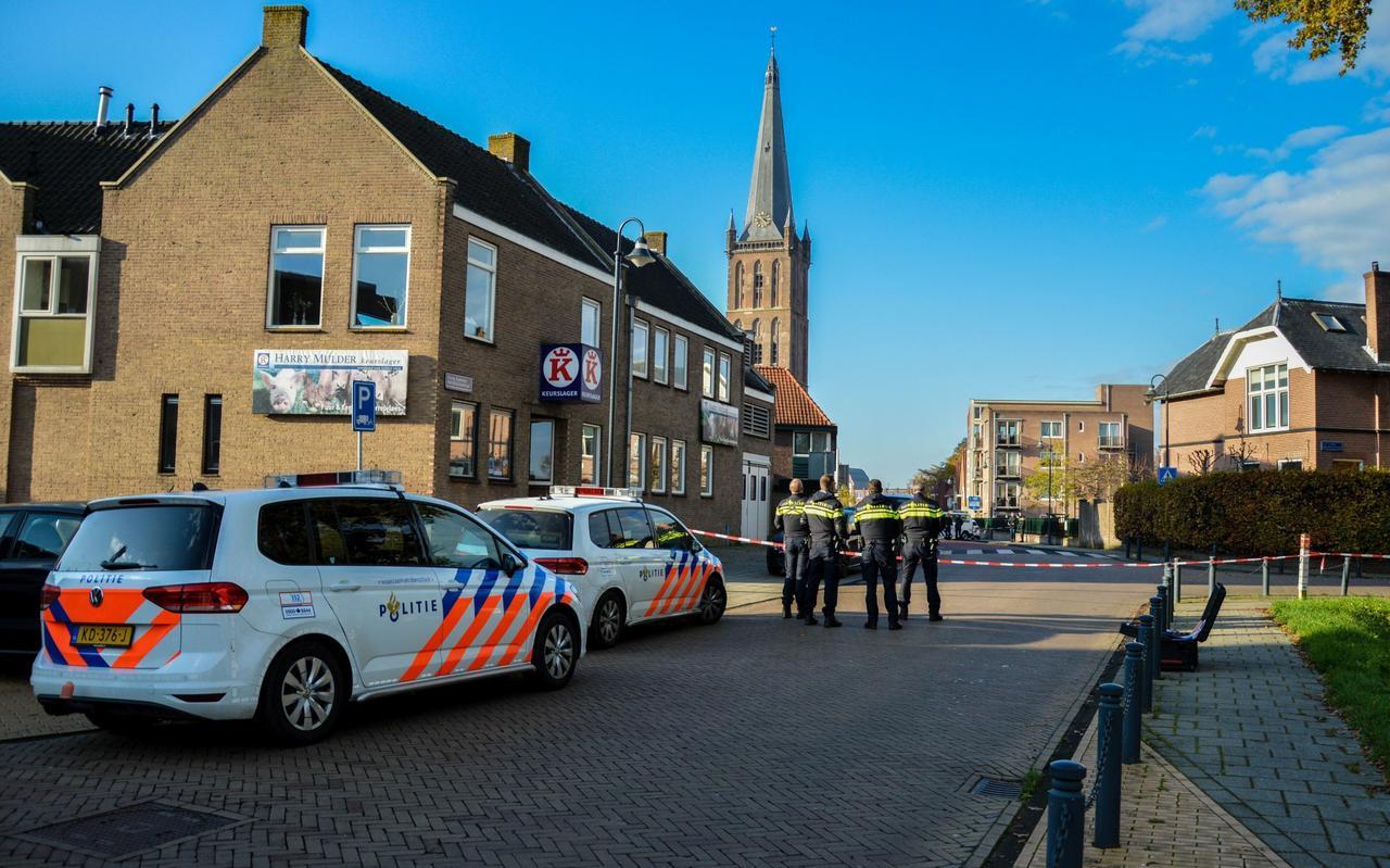 De politie sloot de volgende dag de Weemstraat, de Tromp Meestersstraat en een deel van de Burgemeester Goeman Borgesiusstraat af voor onderzoek.