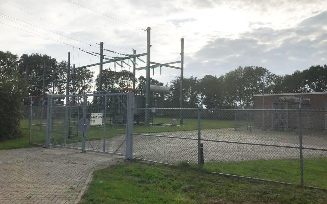 Het transformatorstation aan Bedelaarspad tussen Onna en Steenwijk.