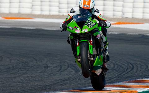 Jeffrey Buis was in het voorjaar in Spanje al aan het trainen op een zwaardere 600 Kawasaki motor.