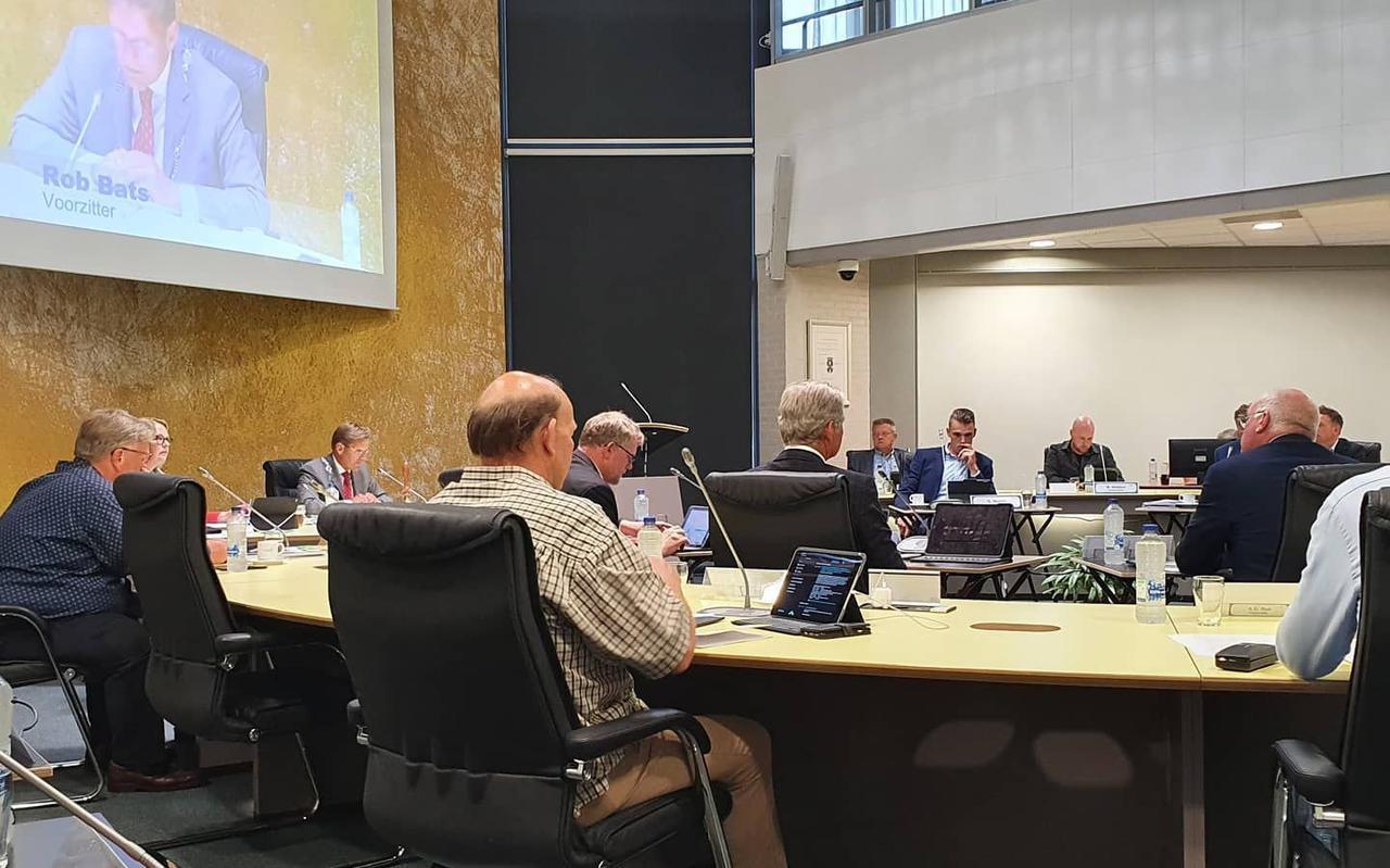 De eerste live gemeenteraadsvergadering after corona in het gemeentehuis aan de Vendelweg.