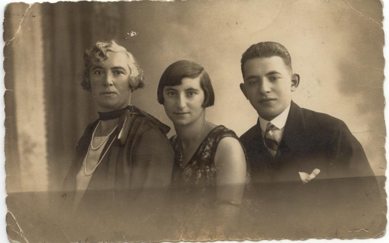 Martha met haar moeder Emma en haar broer Wolf.