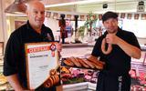 De slagers Harry en Patric maken de allerlekkerste fijne rookworst van Nederland.